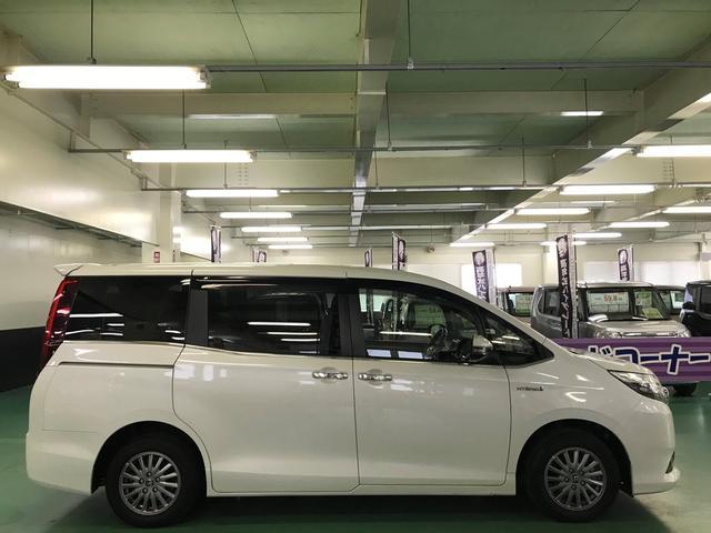 「トヨタ」「エスクァイア」「ミニバン・ワンボックス」「広島県」の中古車4