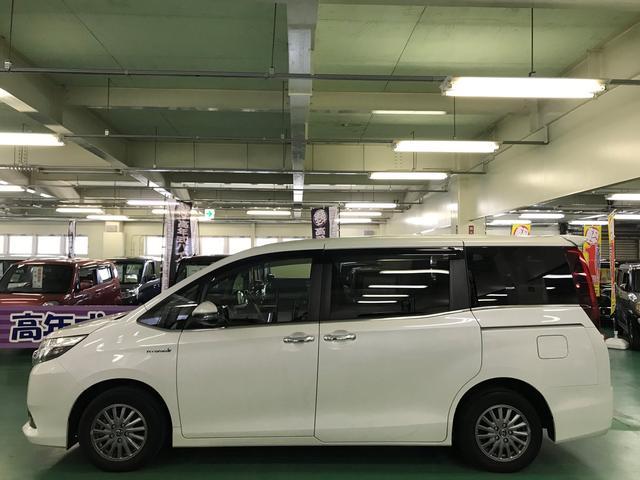 「トヨタ」「エスクァイア」「ミニバン・ワンボックス」「広島県」の中古車5