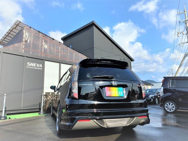 RSZ 4WD 7人乗り HDDナビ 地デジテレビ TV 19インチアルミ 車高調 キーレス ETC サンルーフ ミュージックサーバー スタッドレス付き 車検4年12月まで(7枚目)