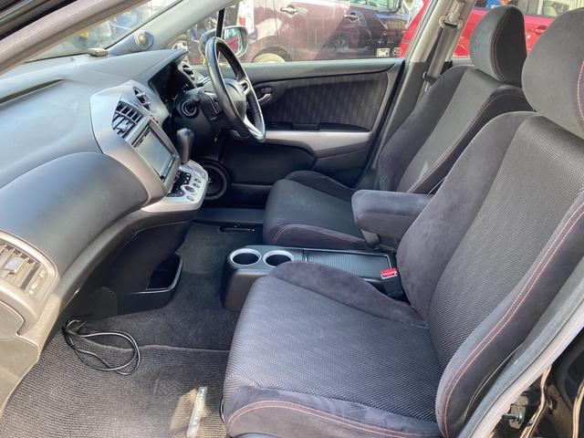 RSZ 4WD 7人乗り HDDナビ 地デジテレビ TV 19インチアルミ 車高調 キーレス ETC サンルーフ ミュージックサーバー スタッドレス付き 車検4年12月まで(28枚目)
