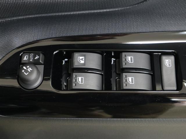 Gブラックインテリアリミテッド SAIII スマートキー プッシュスタート スマートアシストIII 全方位カメラUGP LEDオートライト フォグライト 両側パワースライドドア 革巻ステアリング オートマチックハイビーム アイドリングストップ(14枚目)