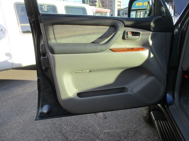 「トヨタ」「ランドクルーザー100」「SUV・クロカン」「広島県」の中古車55