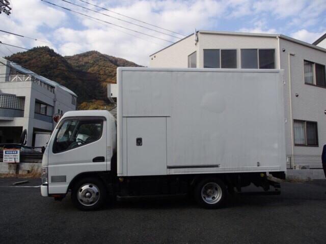 冷凍冷蔵車 ラッシングレール付き(4枚目)