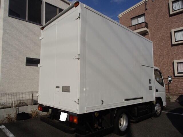 冷凍冷蔵車 ラッシングレール付き(6枚目)