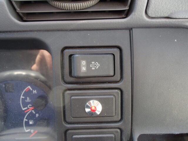 冷凍冷蔵車 ラッシングレール付き(16枚目)