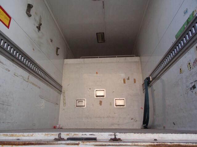 冷凍冷蔵車 ラッシングレール付き(19枚目)