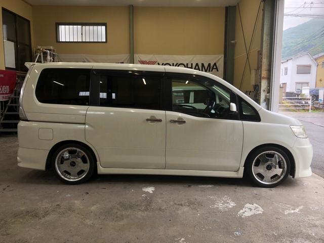「日産」「セレナ」「ミニバン・ワンボックス」「広島県」の中古車8