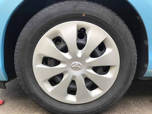 左前タイヤ