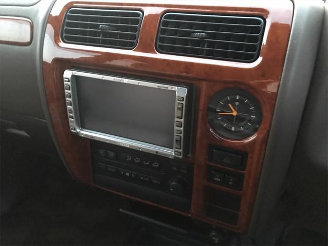 TXリミテッド 4WD AW 禁煙車 ワンオーナー 8名乗り(16枚目)