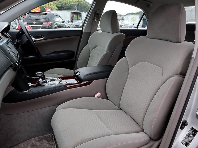 250G 後期 SDナビ ワンセグTV バックカメラ ステアリングリモコン HIDオートライト パワーシート ETC MTモード 左右独立オートエアコン ウインカーミラー 禁煙車 タイミングチェーン(23枚目)