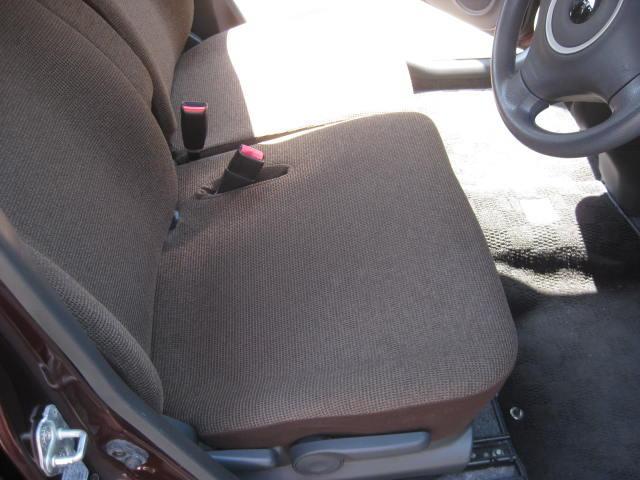 X 4WD キーフリー タイミングチェーン 1年保証付き 社外ナビ シートヒーター CD ETC タイヤ4本新品交換 純正アルミホイル 室内清掃 フル装備(15枚目)