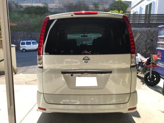 ☆★リアガラスはプライバシーガラスになっています♪プライバシーガラスは紫外線などの反射率を上げ日焼け防止になります。またエアコン冷却効率を向上させます。車内のプライバシーを守るだけではないのです♪☆★