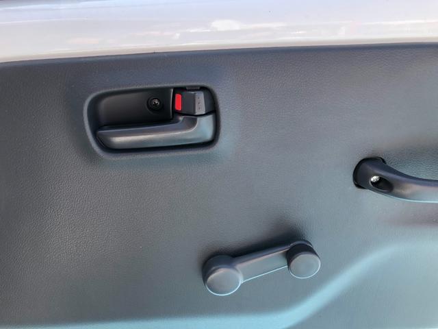 販売車両の納車前整備をしっかりと実施いたします!!お客さまに安心・満足をご提供いたします!!