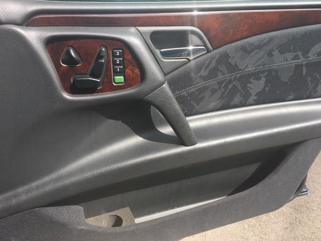 メルセデス・ベンツ M・ベンツ E320 パワーシート ディーラー車 クルコン