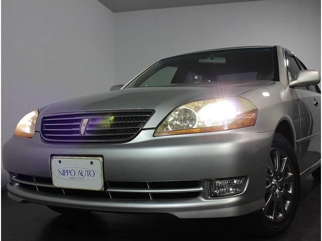 特別仕様車に標準装備された、専用ゴールドエクステンション付ディスチャージヘッドランプを装備☆ナイトドライブも安心です!