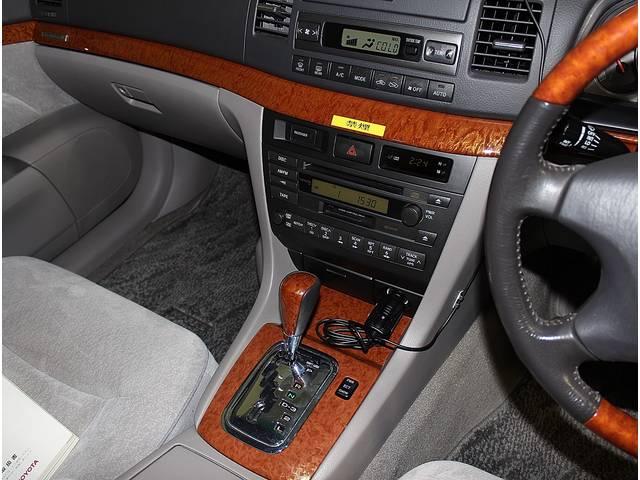 ドライブの必需品、純正CDステレオを装備♪空調は、いつでも快適な空間をサポートするフルオートエアコンです!!