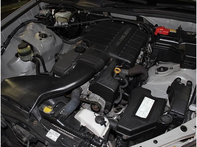 燃費は12.6km/L!!また、きれいなエンジンルーム!!走行距離に応じてしっかりとメンテナンスも行き届いてますので、全ての機関は良好です♪http://www.nippo-auto.com/