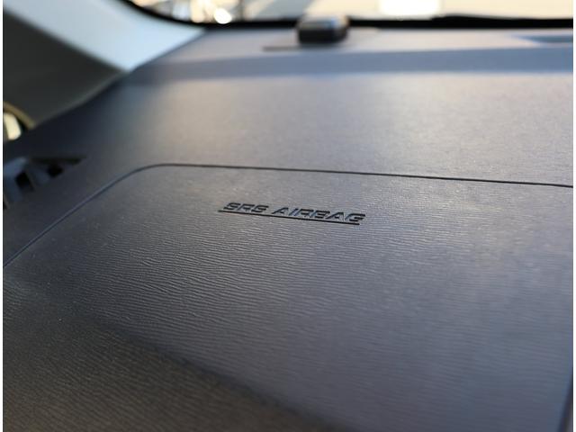 助手席エアバッグも装備されてますので安心です。