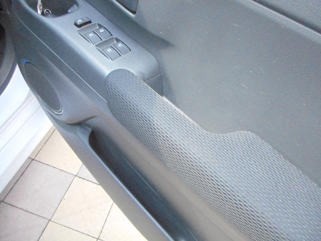トヨタ bB Z Qバージョン インテリキー 純正アルミ HDDナビ