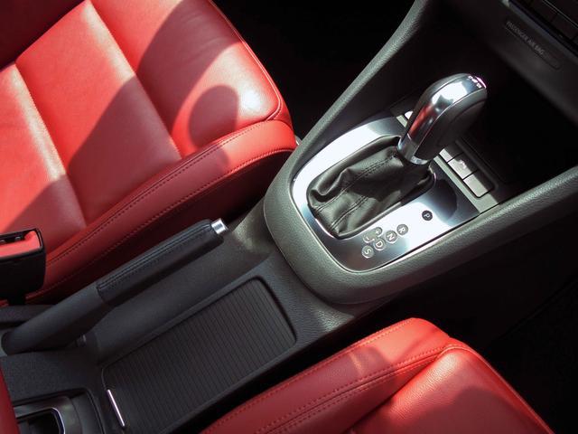 フォルクスワーゲン VW ゴルフカブリオレ 赤革シート ナビTV HID