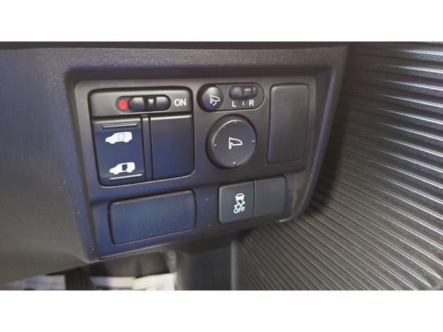 X サイドリフトアップシート車(17枚目)