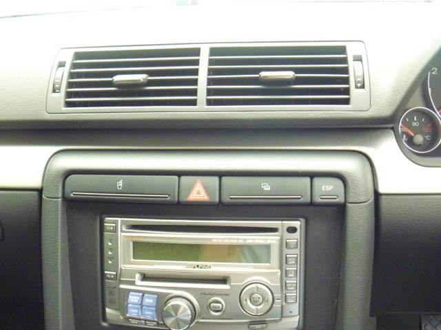 アウディ アウディ A4アバント 2.0アトラクションSライン ワンオーナー HID 18AW