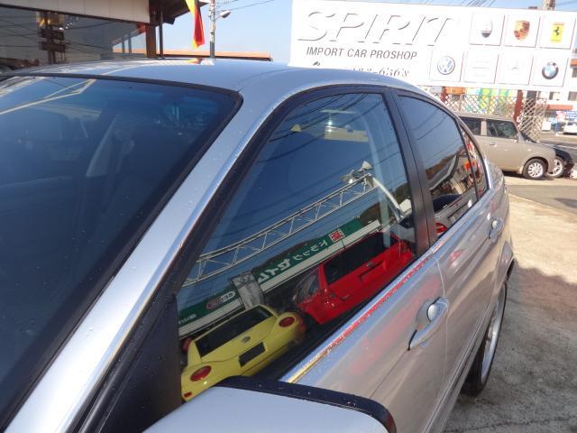 当店輸入車専門店ですのでご購入後のアフターメンテナンスなどはお任せ下さい!経験豊富な輸入車専門メカニックがお客様のお車をサポートさせて頂きますのでご安心ください!!認証整備・修理工場完備!!