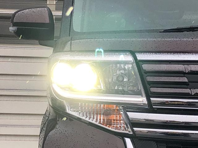 対象物が見やすく白く明るい光で夜間走行をサポートするLEDヘッドランプ