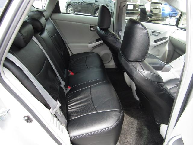 トヨタ プリウス S新品9型ナビLEDフォグ新品車高調新品19インチ新品タイヤ