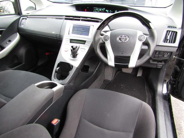トヨタ プリウス S新品車高調新品19インチ新品エアロ新品ハンドル・シフト