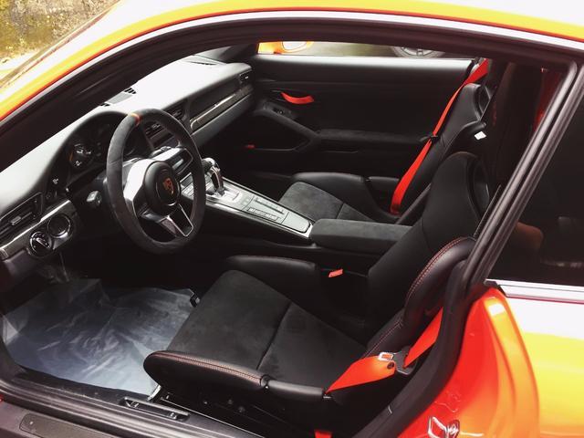 ポルシェ ポルシェ 911GT3RS 正規ディーラー車 整備記録簿 ワンオーナー