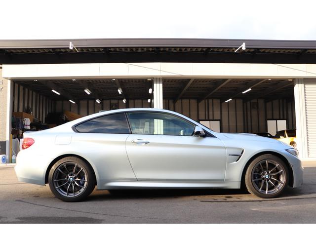 BMW M4 クーペ 入庫! HP https://gjcars8133.com