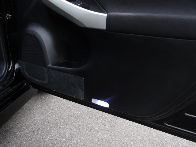 トヨタ プリウス Sツーリングセレクション新品車高調19AWエアロLEDフォグ