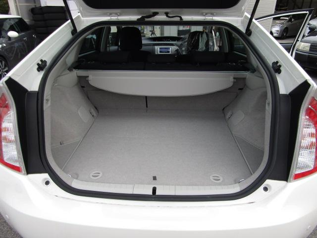 トヨタ プリウス S新品車高調新品19インチ新品LEDデイライトウィンカー