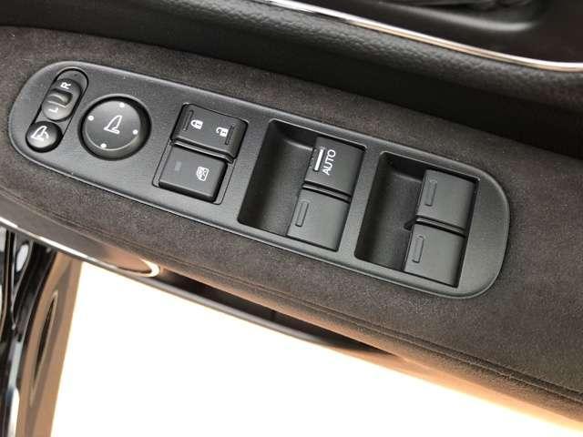 運転席パワーウインドウ、サイドミラー調整スイッチ