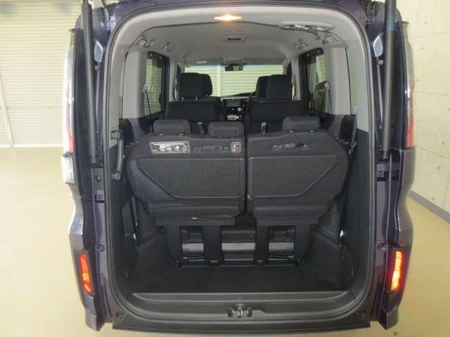 スパーダ 4WD 純正ナビ バックカメラ 衝突軽減ブレーキ 誤発進抑制 追従式クルーズコントロール 車線維持支援 先行車発進お知らせ機能 LEDヘッドライト Bluetooth CD再生 DVD再生 フルセグ(6枚目)