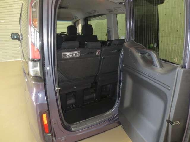 スパーダ 4WD 純正ナビ バックカメラ 衝突軽減ブレーキ 誤発進抑制 追従式クルーズコントロール 車線維持支援 先行車発進お知らせ機能 LEDヘッドライト Bluetooth CD再生 DVD再生 フルセグ(7枚目)