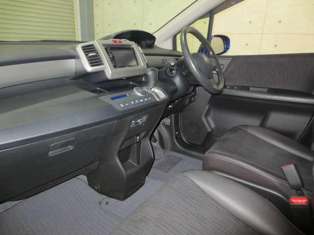G プレミアムエディション 純正ナビ バックカメラ クルーズコントロール 両側電動スライドドア CD DVD ワンセグ シートヒーター ドアミラーヒーター Hondaスマートキーシステム(8枚目)