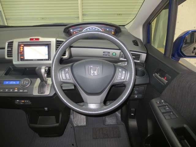G プレミアムエディション 純正ナビ バックカメラ クルーズコントロール 両側電動スライドドア CD DVD ワンセグ シートヒーター ドアミラーヒーター Hondaスマートキーシステム(11枚目)