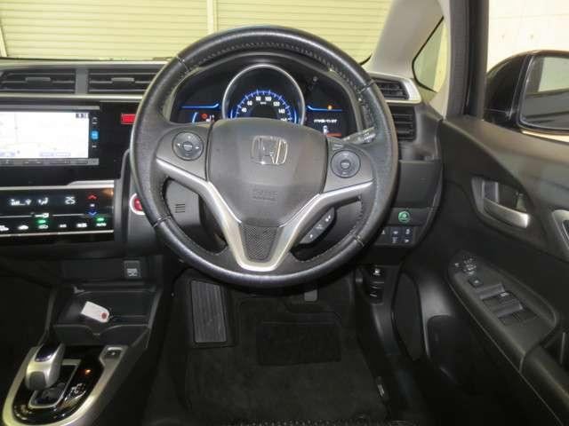 Lパッケージ 純正ナビ バックカメラ 衝突軽減ブレーキ 誤発進抑制機能 クルーズコントロール LEDヘッドライト Bluetooth CD再生 DVD再生 Hondaスマートキーシステム(9枚目)