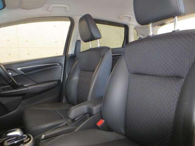 Lパッケージ 純正ナビ バックカメラ 衝突軽減ブレーキ 誤発進抑制機能 クルーズコントロール LEDヘッドライト Bluetooth CD再生 DVD再生 Hondaスマートキーシステム(11枚目)
