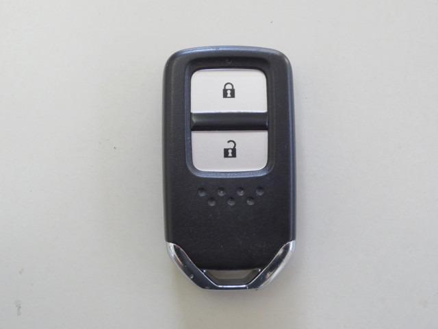 Lパッケージ 純正ナビ バックカメラ 衝突軽減ブレーキ 誤発進抑制機能 クルーズコントロール LEDヘッドライト Bluetooth CD再生 DVD再生 Hondaスマートキーシステム(20枚目)