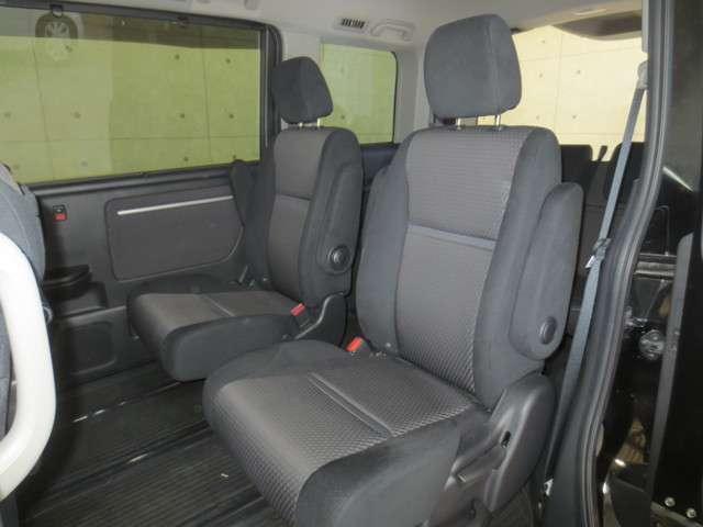 スパーダ 4WD 純製ナビ バックカメラ 衝突軽減ブレーキ 誤発進抑制 オートクルーズコントロール 両側電動スライドドア LEDヘッドライト Bluetooth CD DVD フルセグ リア席モニター(16枚目)