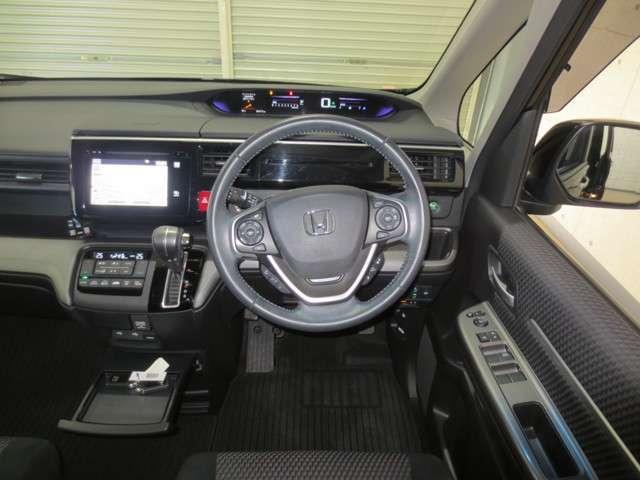 スパーダ 4WD 純製ナビ バックカメラ 衝突軽減ブレーキ 誤発進抑制 オートクルーズコントロール 両側電動スライドドア LEDヘッドライト Bluetooth CD DVD フルセグ リア席モニター(17枚目)