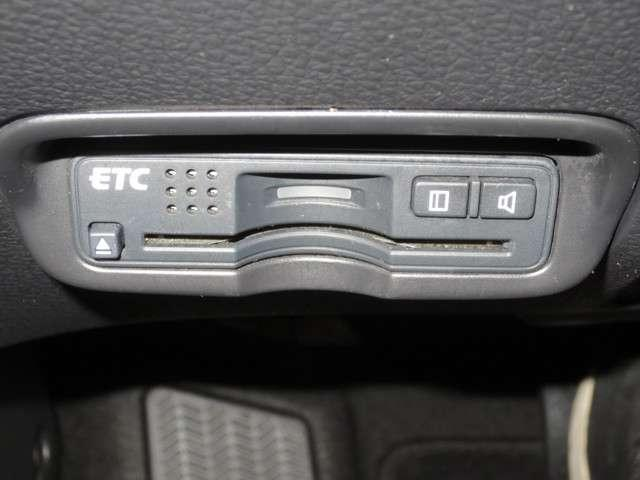 ハイブリッドX ハイブリッド 純正ナビCD/DVDフルセグBluetooth バックカメラ オーディオリモコン ETC クルーズコントロール シートヒーター サイドカーテンエアバッグ オートライト 純正アルミホイール(12枚目)