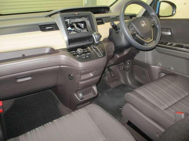 G 4WD 両側電動スライドドア 衝突軽減ブレーキ 誤発進抑制機能 車間距離感知 レーンキープ オーディオレス リアカメラ ETC オーディオリモコン 運転席助手席シートヒーター(5枚目)