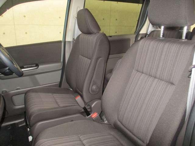 G 4WD 両側電動スライドドア 衝突軽減ブレーキ 誤発進抑制機能 車間距離感知 レーンキープ オーディオレス リアカメラ ETC オーディオリモコン 運転席助手席シートヒーター(6枚目)
