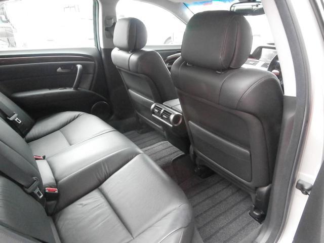 ベースグレード4WD インターナビワンセグ 黒革 ETC(13枚目)