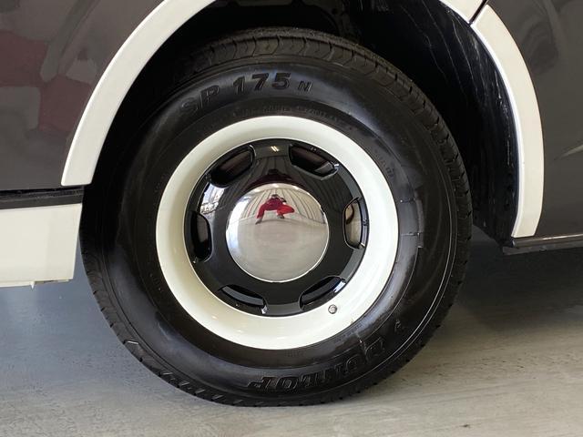 リラクベースタイプ1 11インチフローティングナビ 12.8インチフリップダウン ベッドキット ヴィンテージ調ブラウンシートカバー 100Vアクセサリーコンセント 両側Pスライド ディーゼル車(14枚目)