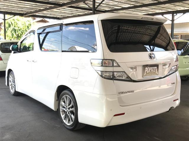まずお車の装備・セールスポイントは、アルパインナビ後席モニターETC等の充実装備です!